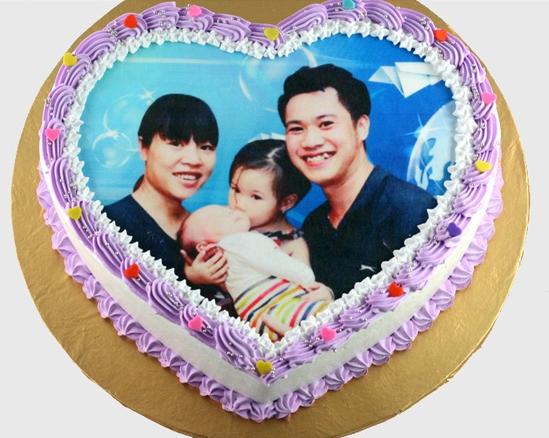 bánh sinh nhật kỷ niệm cho gia đình hạnh phúc