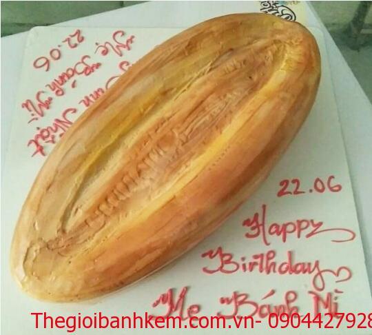 Bánh sinh nhật chiếc bánh mì Mã B1132