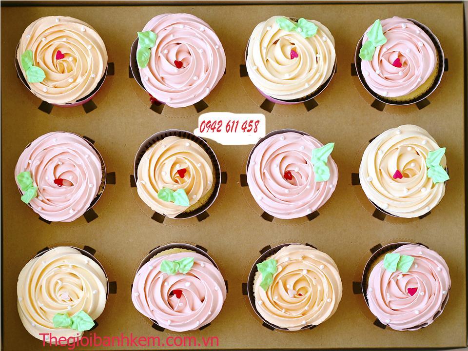 Bánh cupcake Mã CC04
