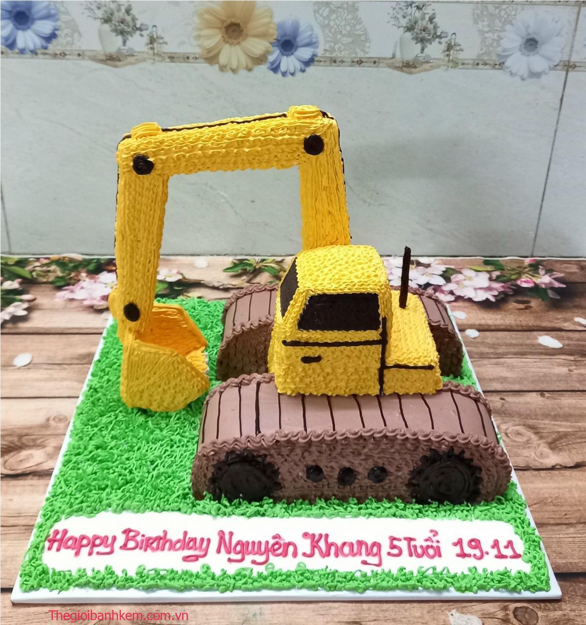 Bánh sinh nhật xe cẩu 3d Mã B412021