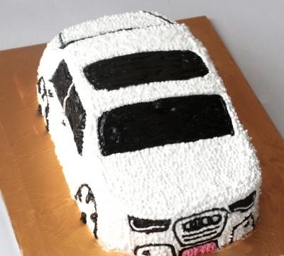 Bánh hình xe hơi mã B168 - 20x30cm