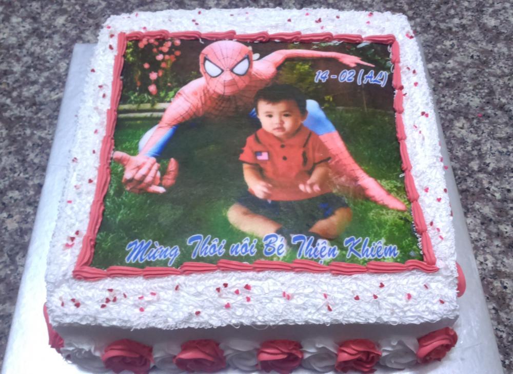 Bánh sinh nhật in ảnh siêu nhân Mã B1897