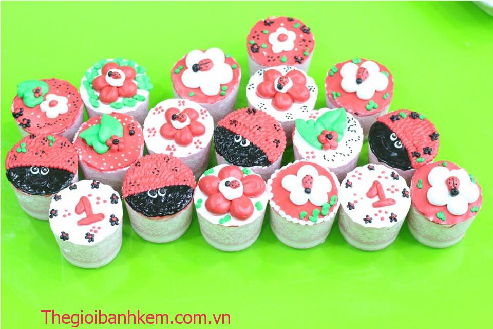Bánh cupcake mã CC07