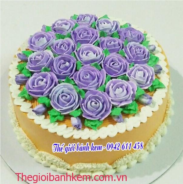 Bánh kem bắt hoa mầu tím Mã B11041