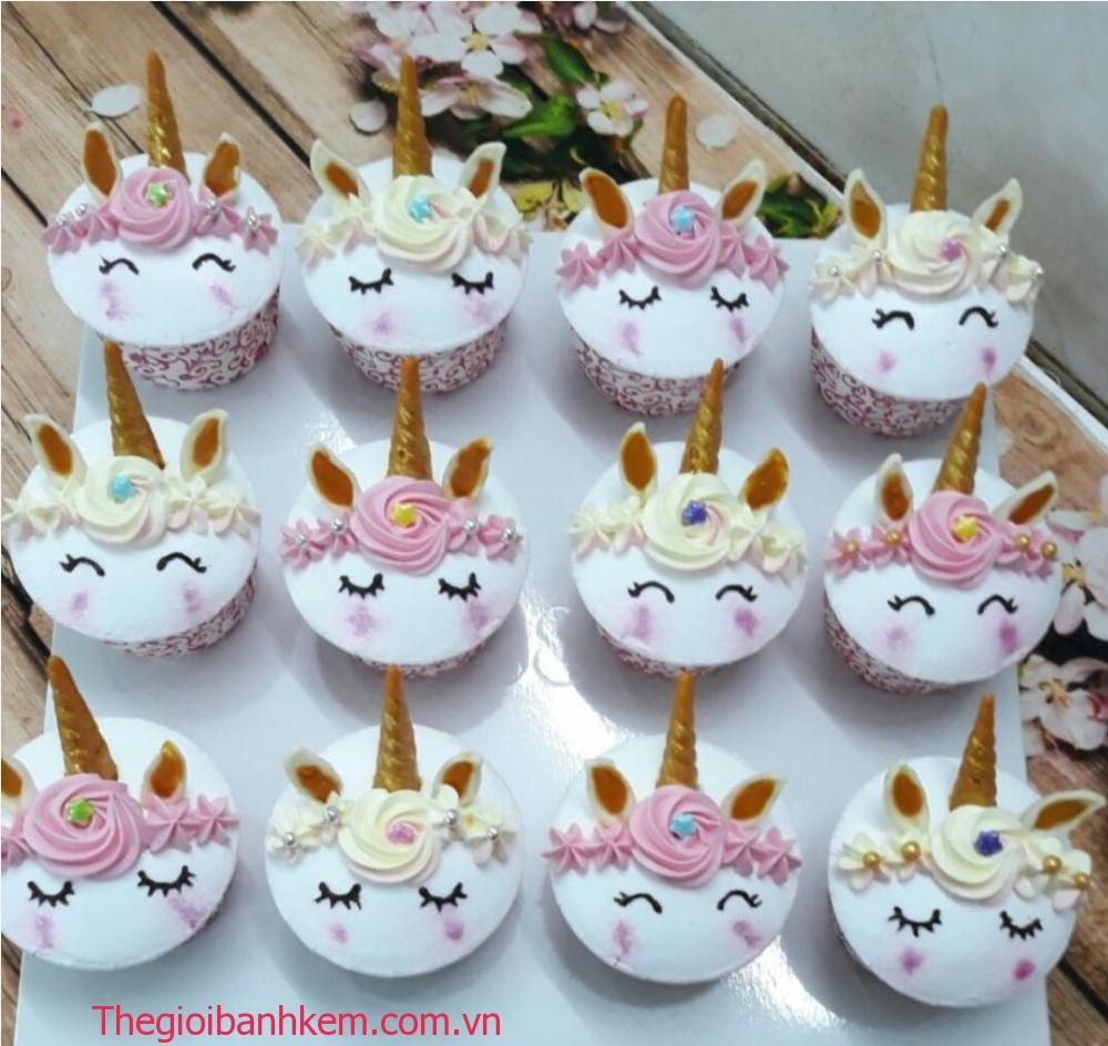 Bánh cupcake ngựa poney Mã CC71